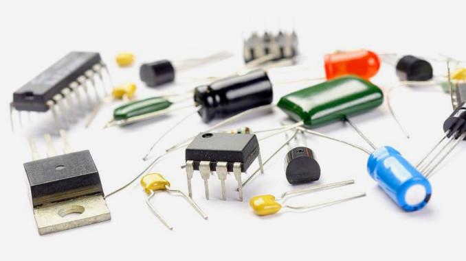 Las 10 Herramientas Básicas Para Electronica
